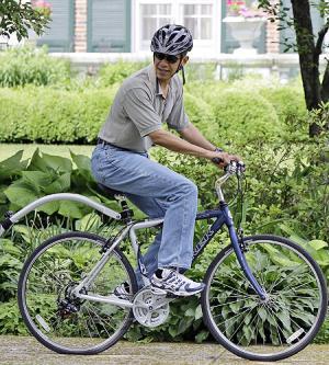 https://maddogmedia.files.wordpress.com/2009/01/obama_bike1.jpg