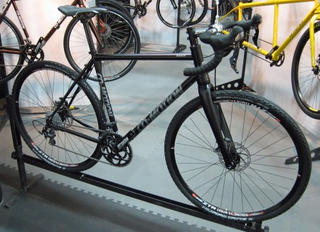 The Klatch is an all-day endurance machine, made of Reynolds 853 but with a carbon ENVE disc fork.