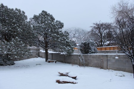 The Sandias are barely visible this morning, which means the yeti can move about with impunity.