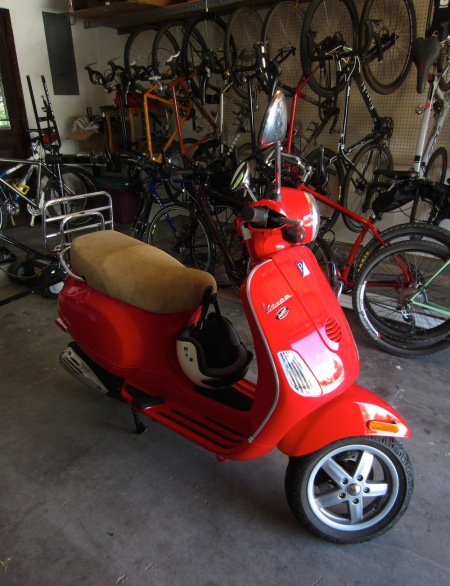 My 2008 Vespa LX50 got delivered today, so I'm motorized again.