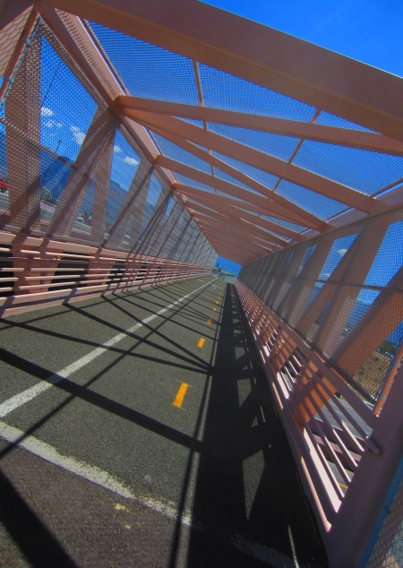 Holy bike-ped bridge, Batman! This one crosses I-25 near Paseo del Norte.